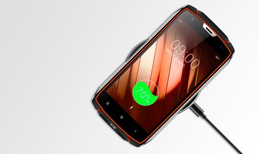 vkworld vk7000 Outdoor Smartphone kommt mit kabellosem Laden.